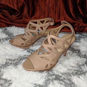 Naturalizer Dakota strapy heel shoes